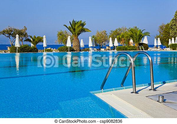 água, escadas, piscina - csp9082836