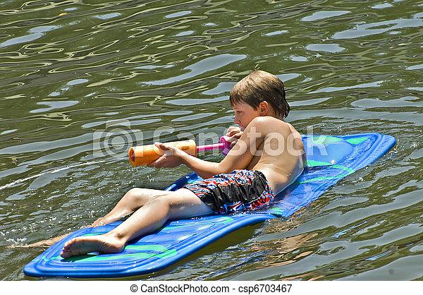 água, menino, flutuador - csp6703467