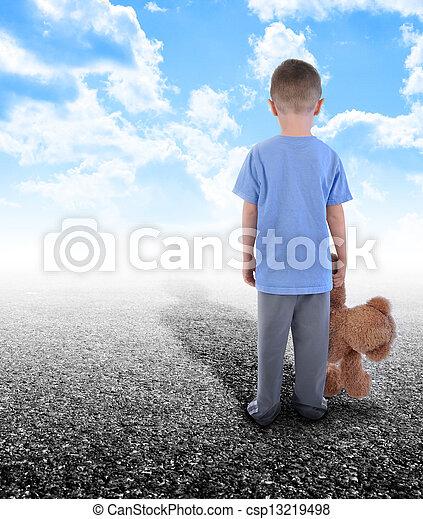 álló, fiú, elhagyott, mackó, egyedül - csp13219498