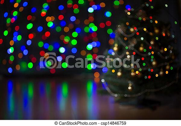 Trasfondo borroso del árbol de Navidad - csp14846759