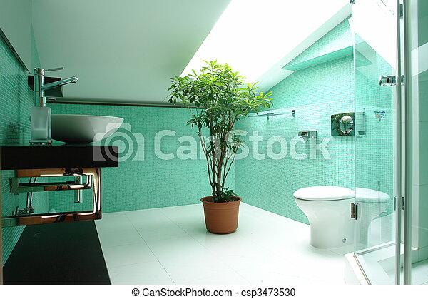 Baño en el ático - csp3473530