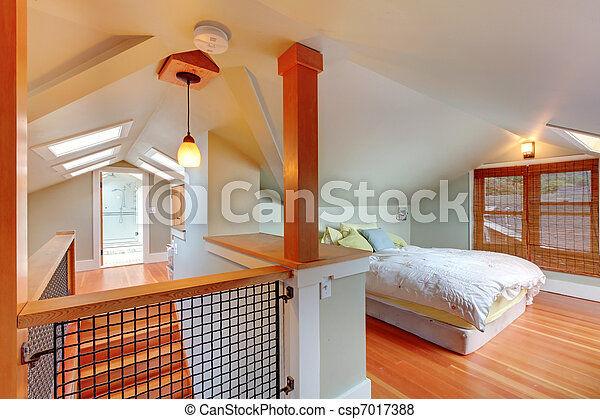 Dormitorio y escalera de ático con luces del cielo. - csp7017388
