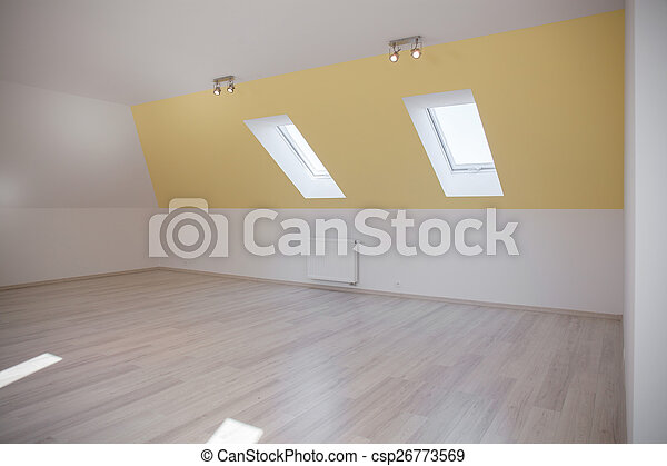 Una habitación espaciosa en el ático - csp26773569