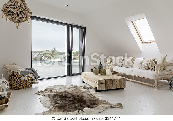 Al ático con balcón - csp43344774
