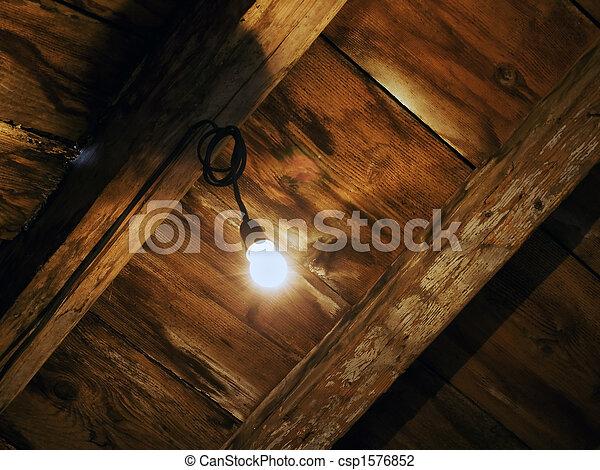 Luz en el ático - csp1576852