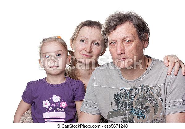 Glückliche Senioren und Enkel - csp5671248