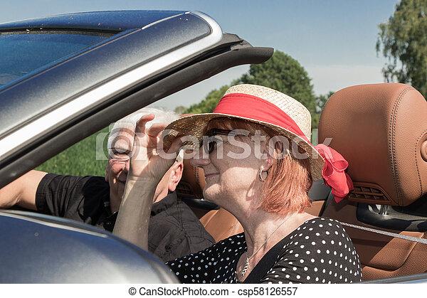 ältere, paar, senioren, glücklich - csp58126557