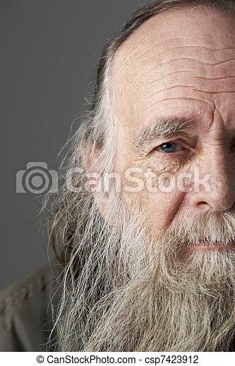 älterer Mann Langer Bart