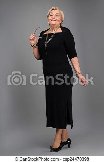 vetements femmes agees