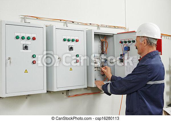 électricien, personne agee, ouvrier, adulte, ingénieur - csp16280113