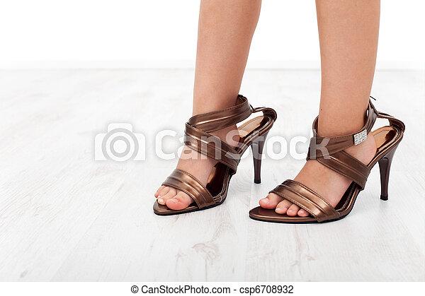 meilleurs tissus vraie qualité style exquis Élevé, pieds, chaussures, talon, enfant. Pieds, chaussures ...