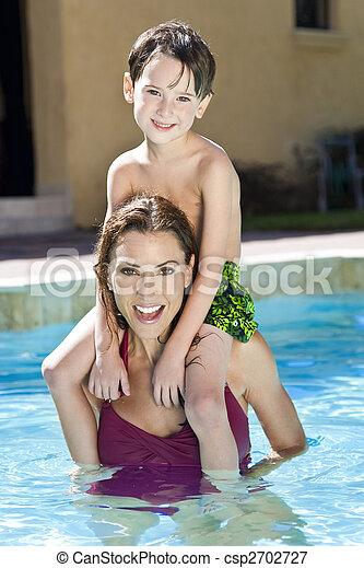 épaules, elle, fils, mère, piscine, natation - csp2702727
