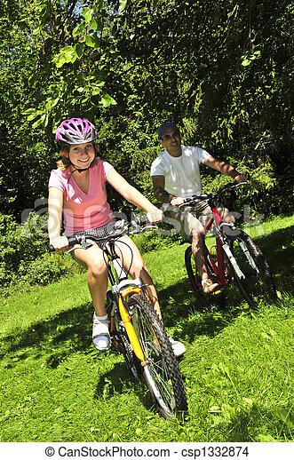 équitation, bicycles, famille - csp1332874