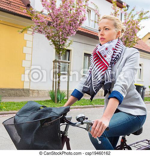 équitation, femme, bicycle. - csp19460162