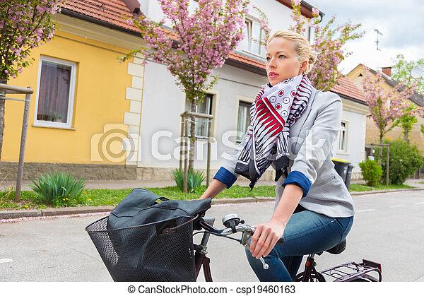 équitation, femme, bicycle. - csp19460163