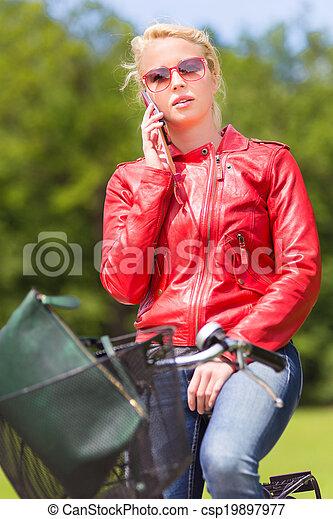 équitation, femme, bicycle. - csp19897977