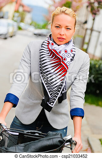équitation, femme, bicycle. - csp21033452