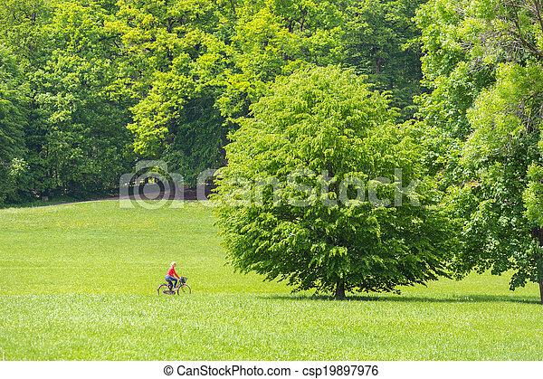 équitation, femme, jeune, bicycle. - csp19897976