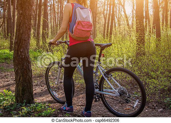 équitation, femme, vélo, jeune, forêt - csp66492306