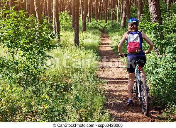 équitation, femme, vélo, jeune, forêt - csp60428066