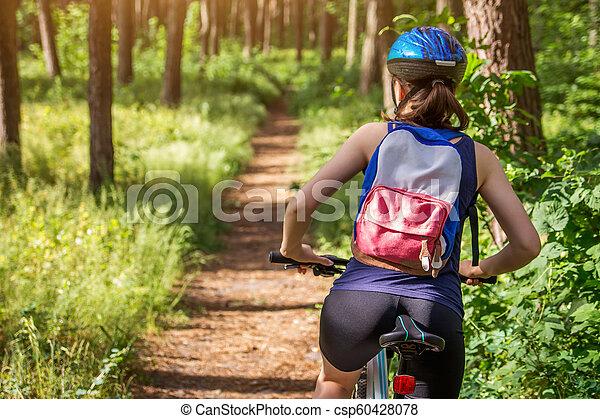 équitation, femme, vélo, jeune, forêt - csp60428078