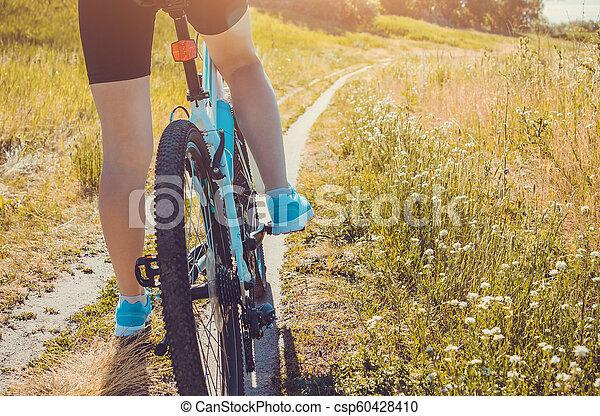 équitation, femme, vélo, jeune, forêt - csp60428410