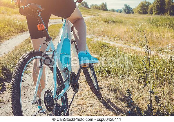 équitation, femme, vélo, jeune, forêt - csp60428411