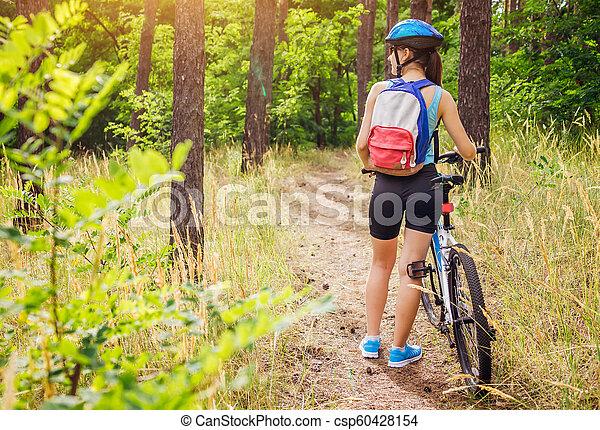 équitation, femme, vélo, jeune, forêt - csp60428154