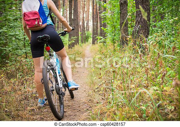 équitation, femme, vélo, jeune, forêt - csp60428157