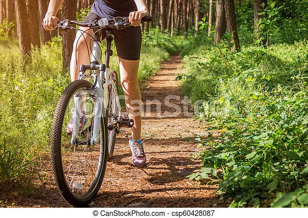 équitation, femme, vélo, jeune, forêt - csp60428087