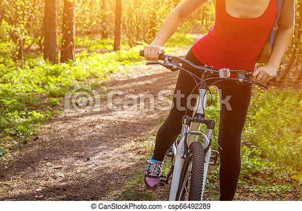 équitation, femme, vélo, jeune, forêt - csp66492289