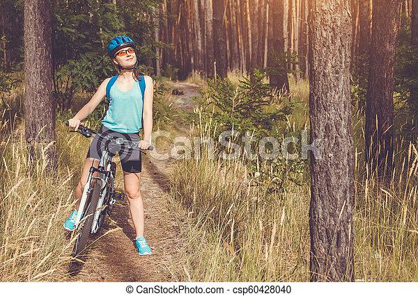 équitation, femme, vélo, jeune, forêt - csp60428040