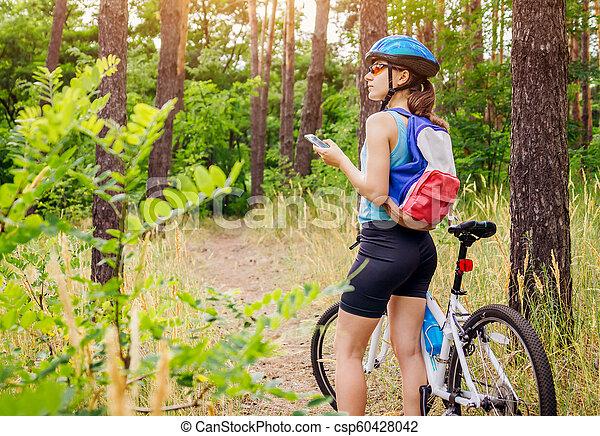 équitation, femme, vélo, jeune, forêt - csp60428042