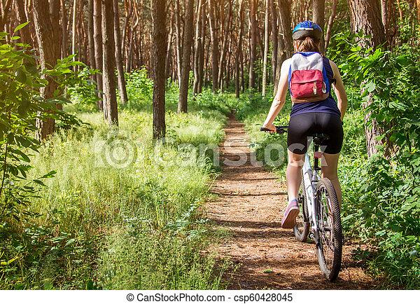 équitation, femme, vélo, jeune, forêt - csp60428045