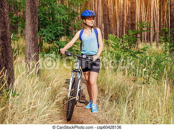 équitation, femme, vélo, jeune, forêt - csp60428136