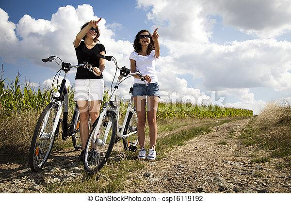 équitation, femme, vélo, jeune - csp16119192