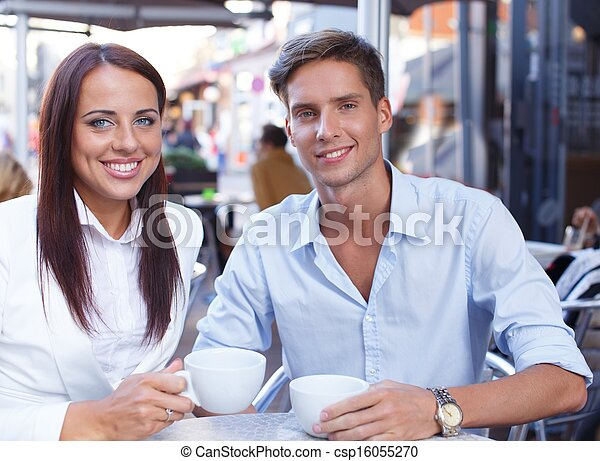 été, café, séance, couple, jeune, tasses - csp16055270