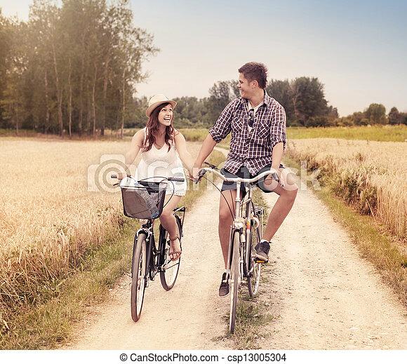 été, couple, heureux, cyclisme, dehors - csp13005304