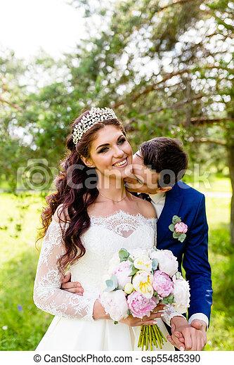 été, couple, parc, nouveaux mariés - csp55485390
