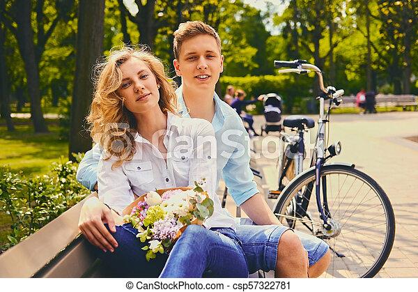 été, couple, park., dater - csp57322781