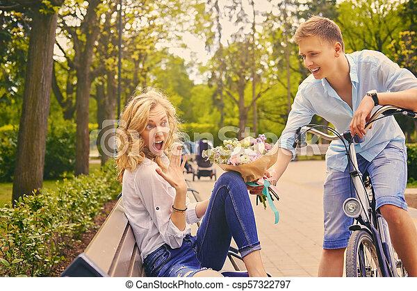 été, couple, park., dater - csp57322797