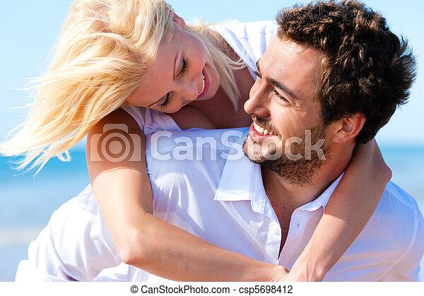 été, couple, plage, amour - csp5698412