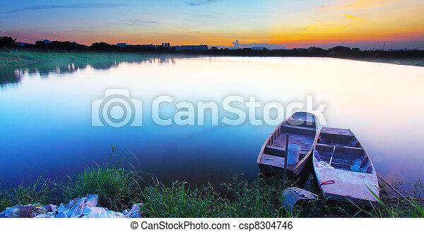 étang, coucher soleil - csp8304746