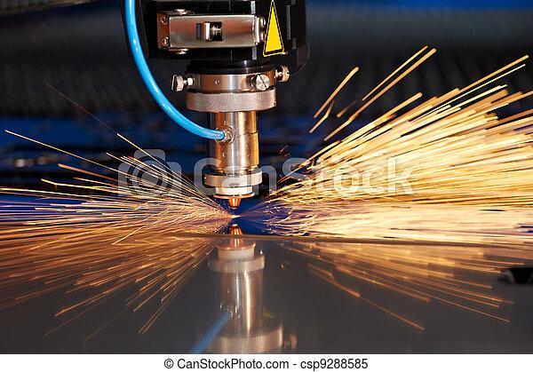 étincelles, métal, découpage, laser, feuille - csp9288585