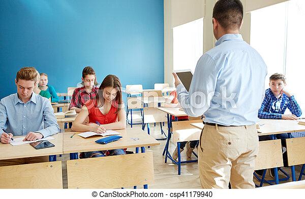 étudiants, pc, eduquer enseignant, tablette - csp41179940