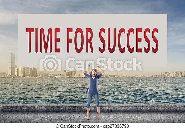Hora del éxito - csp27336790