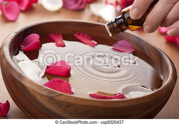 óleo aromatherapy, essencial - csp9325437