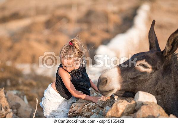 ö, litet, åsna, flicka, mykonos - csp45155428