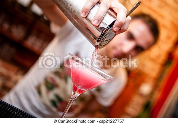 öntés, kozmopolita, koktél, alkoholista, csapos, előkészítő - csp21227757