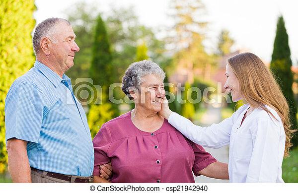 öregedő törődik - csp21942940